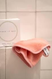 TAKE IT OFF make up remover towel PINK